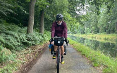 Núria Picas pedaleando la Velodyssee: la ruta ciclista más larga de Europa