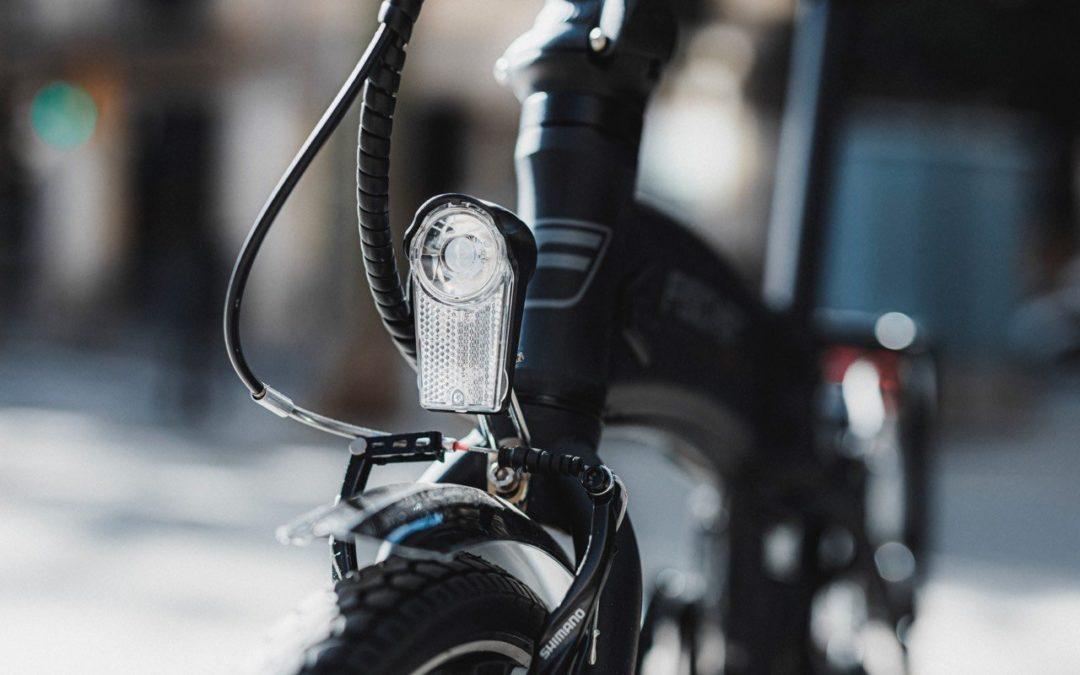 5 cosas que tienes que saber antes de comprarte tu bici eléctrica plegable